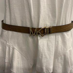 NWT: Michael Kors reversible belt